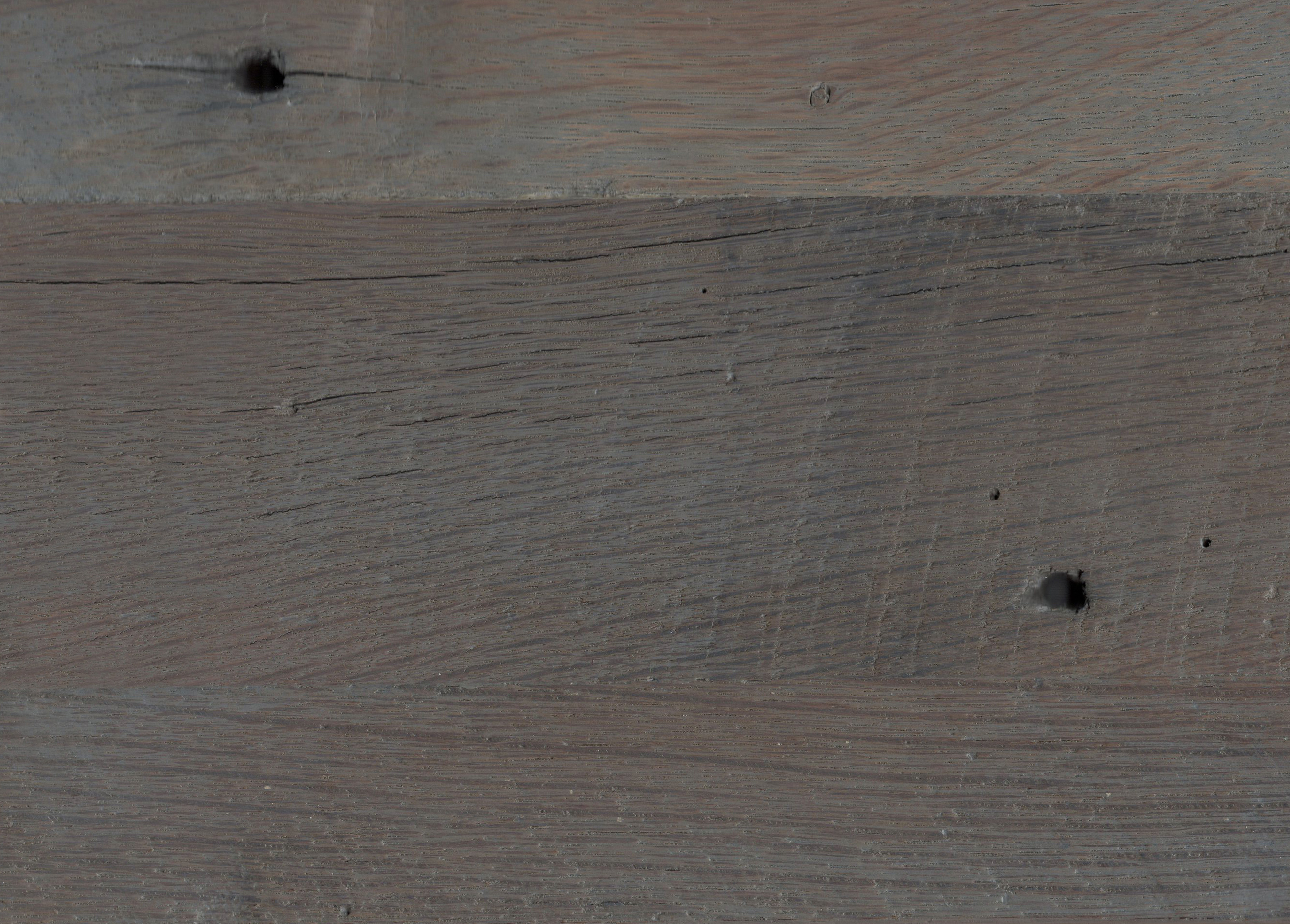 Stains on Rough Sawn Barnwood: Pewter